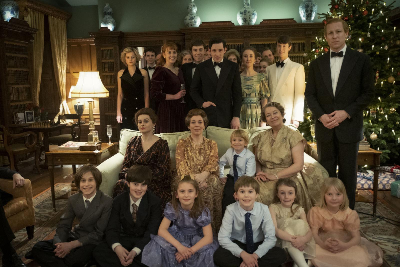 Foto Natale Famiglia Reale Inglese 1990.The Crown Quinta Stagione In Crisi Manca L Attore Che Interpretera Harry